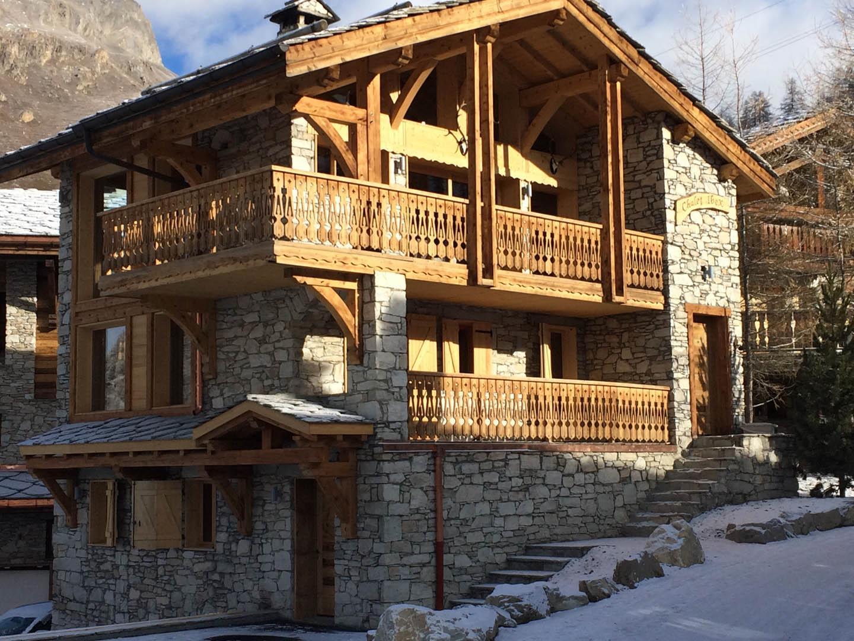 Arctic Lodge