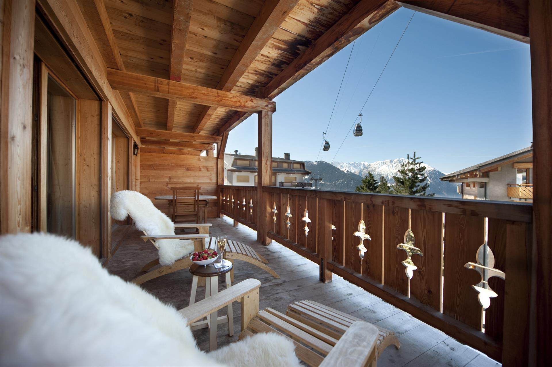 Verbier ski chalets in switzerland with interactive resorts - Chalet deco ...