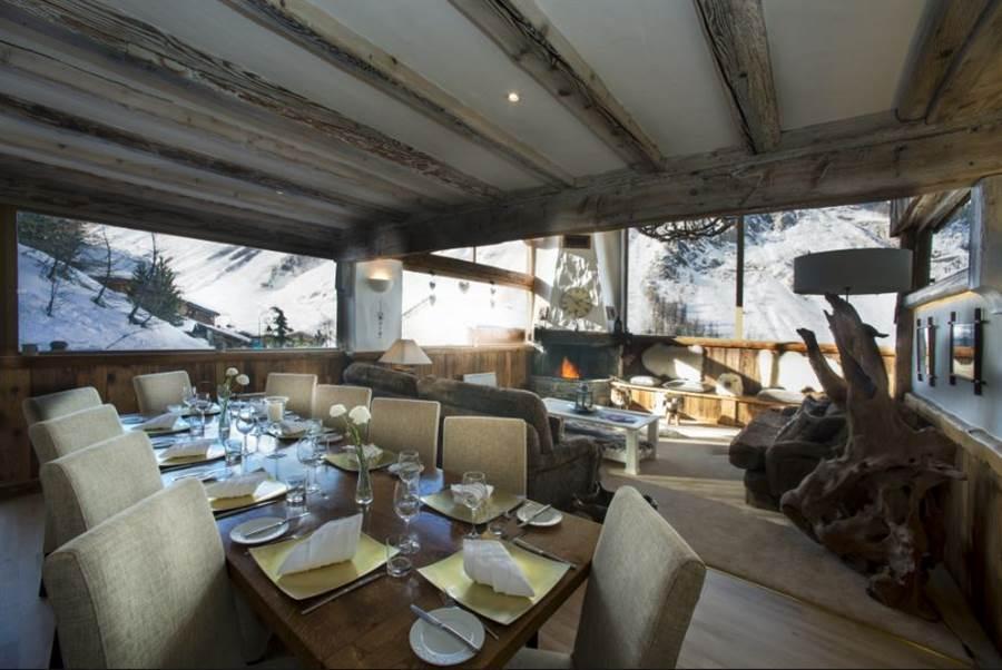 Le Kilimanjaro - Dining/Living Area