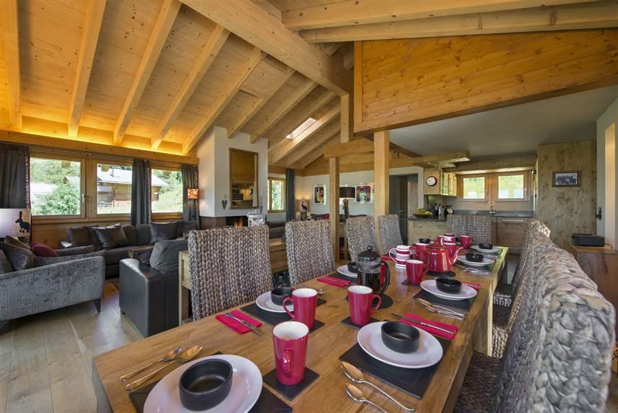 Marais Rouge - Dining Area