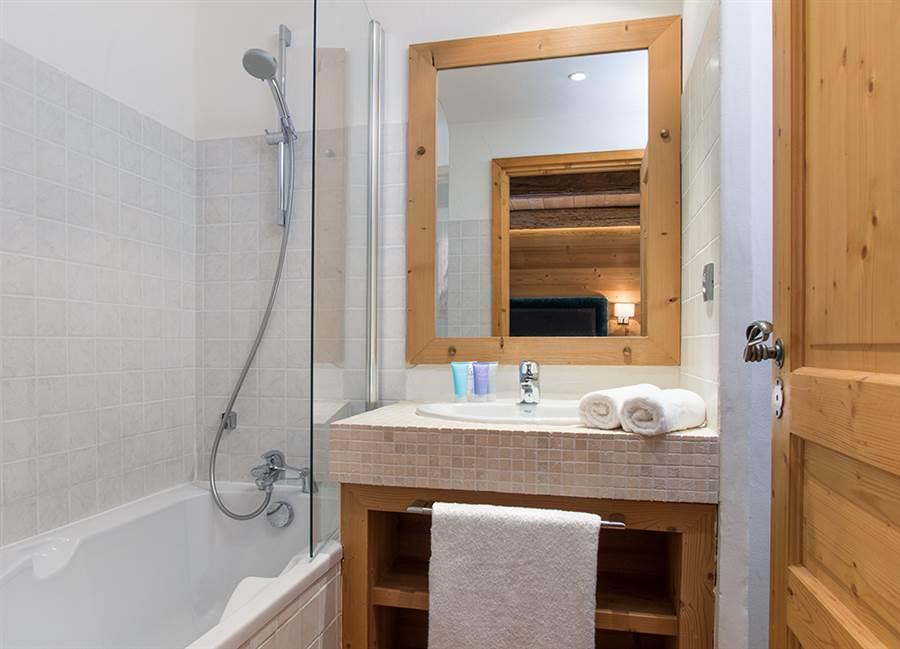 Club Bellevarde - Bathroom