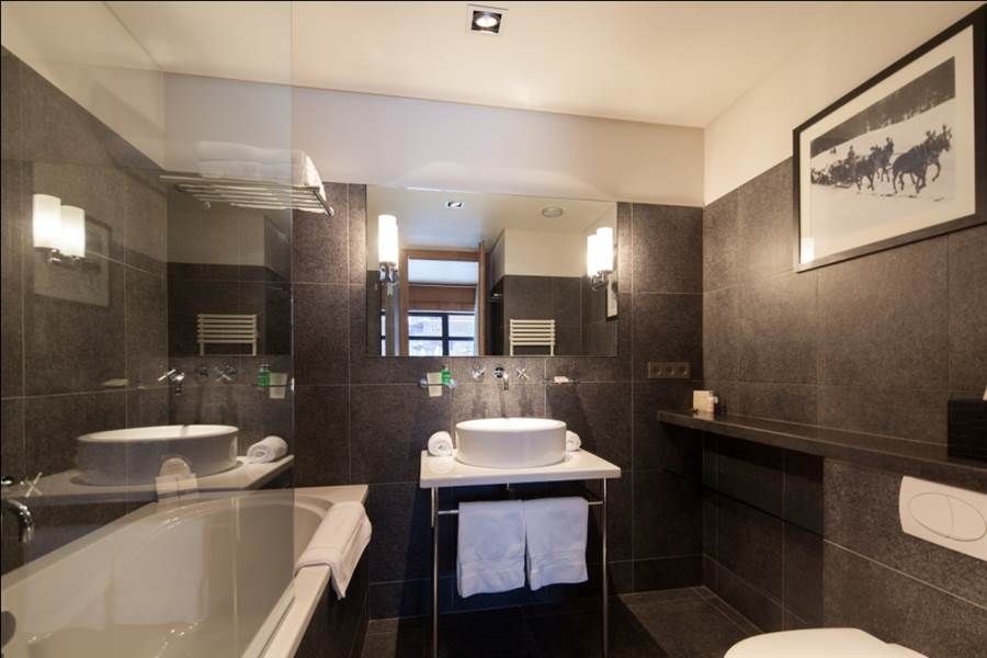 Greystone - Bathroom
