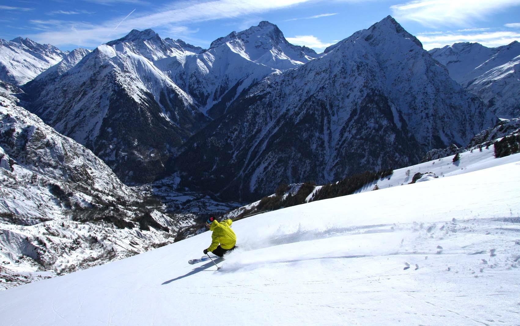 Ski holidays les deux alpes catered ski chalets - Office du tourisme deux alpes ...