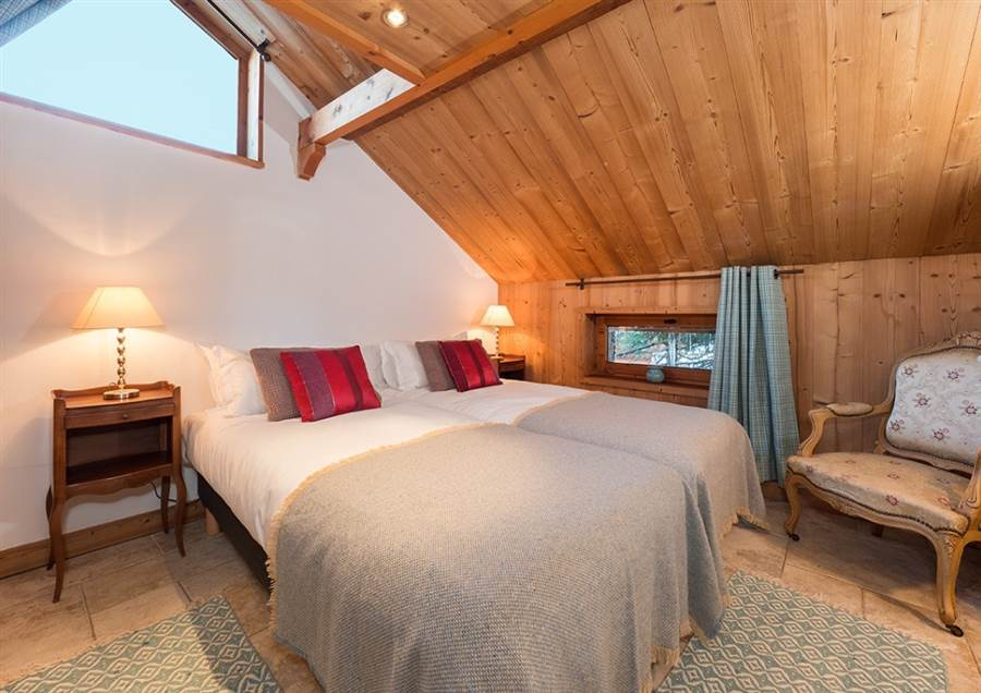 interior of small bedroom chaudanne meribel deals amp availability luxury ski chalets 15658
