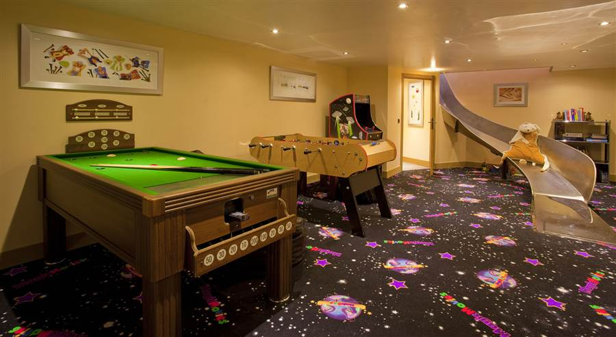 Serena - Games Room