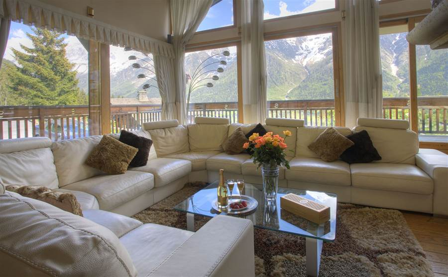 Serena - Living Area