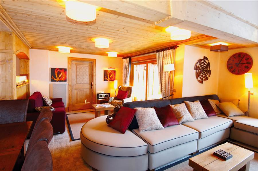 Taiga Lodge - Living Area
