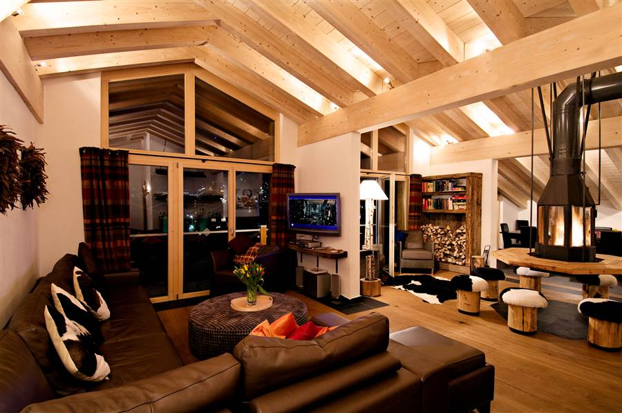 Zermatt Lodge - Living Area