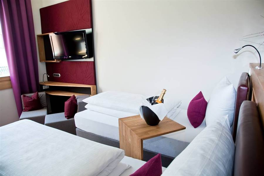 Anthonys Life and Style Hotel - Bedroom