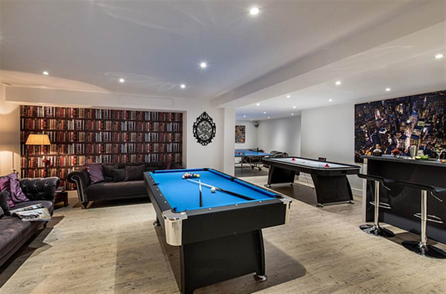 Aster - Games Room