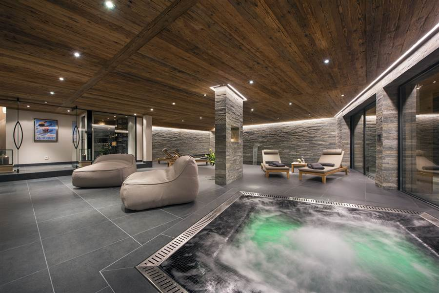 Sirocco - Sauna, Spa & Shower