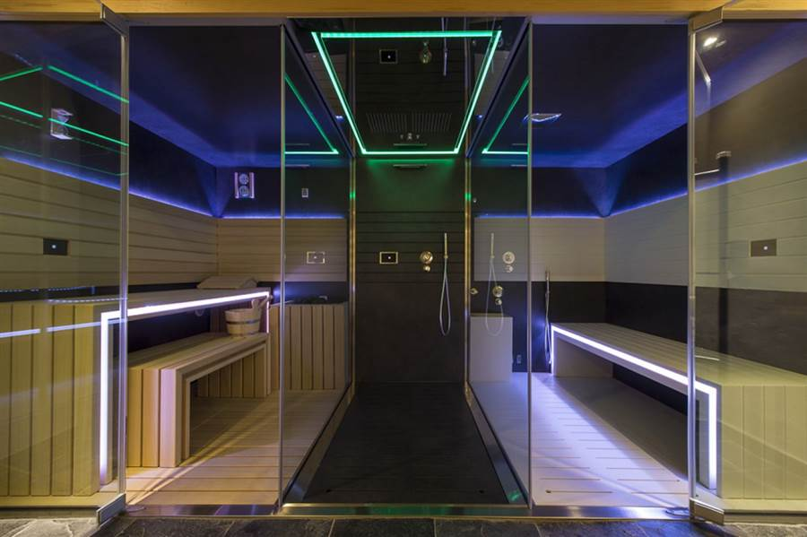 No 5 Penthouse - Steam Room
