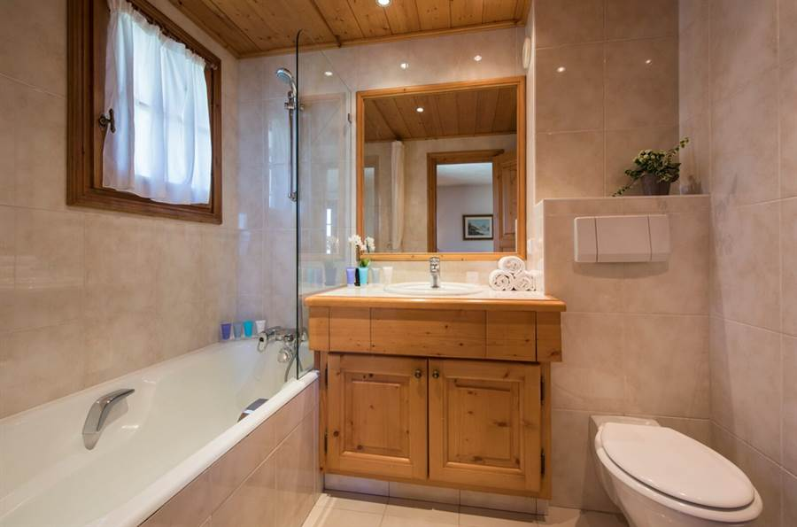 Founets Aval - Bathroom